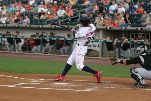 Sizemore turns on an inside pitch for an 0-2 lead-off HR Photo: Cheryl Pursell