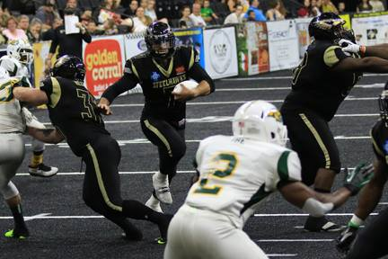 McSweeny on the draw.  A key play in the SteelHawks game plan.  Photo: SteelHawks