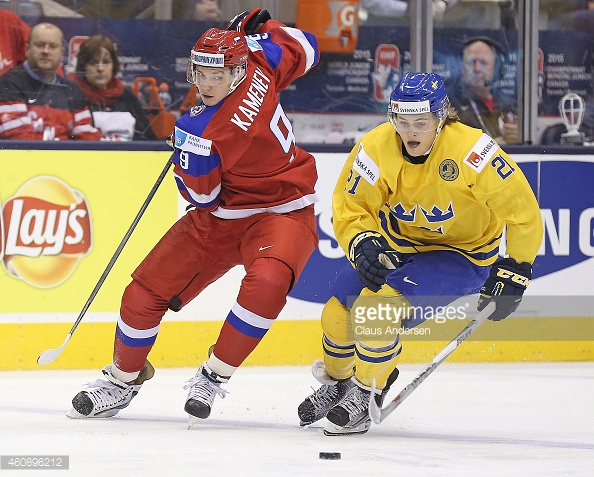 ​Sweden's William Nylander of the AHL's Toronto Marlies, the American Hockey League's scoring leader at the moment, competes with Russia's Vladislav Kamenev of the AHL's Milwaukee Admirals during the annual IIHF World Junior Championships last season. Photo: Getty Images