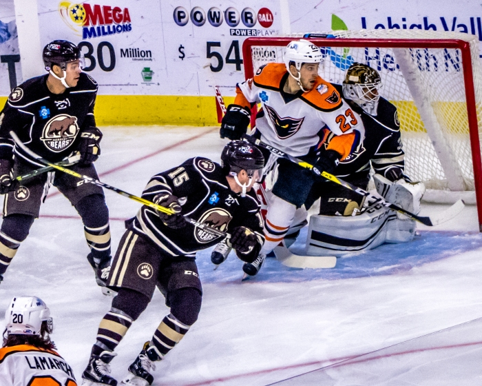 Leier doing work out in front versus the Bears. Photo: Cheryl Pursell
